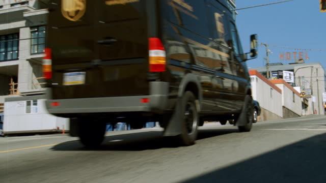 dx - car chase, speeding - sedan stock videos & royalty-free footage