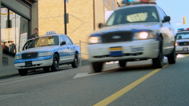 dx - car chase, police - police car stock videos & royalty-free footage