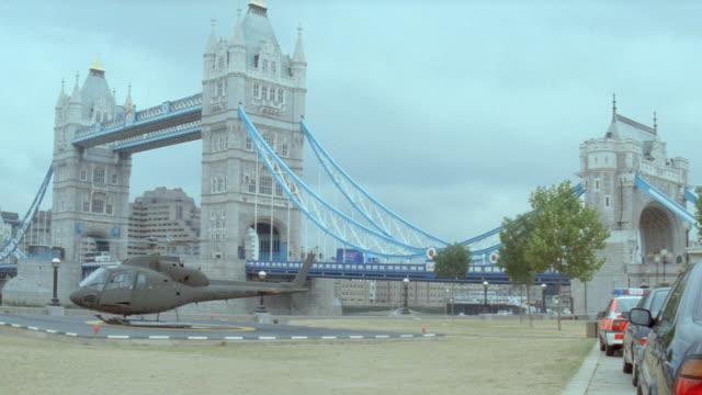 dx - longdon, england, helicopter, helipad, bridge - tower bridge stock videos & royalty-free footage