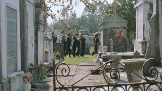 dx - cemetery - funerals - funeral stock videos & royalty-free footage