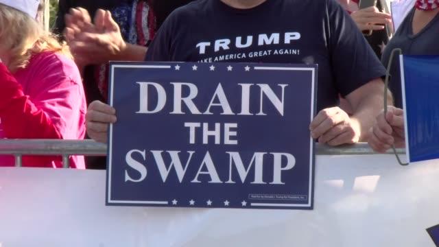stockvideo's en b-roll-footage met drain the swamp - salmini
