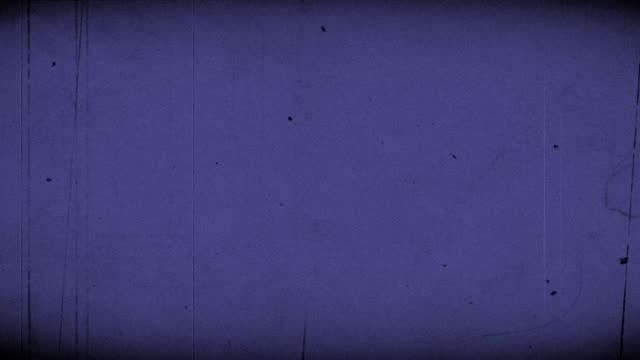 old film countdown das ende mit sound blue 4k - 8mm filmprojektor stock-videos und b-roll-filmmaterial
