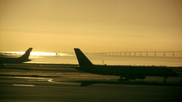 AIRPLANE V.2 (HD)