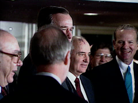 gorbachev, bush & james baker meets in malta audio / malta - 1989年点の映像素材/bロール