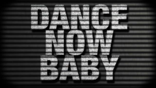 vídeos de stock, filmes e b-roll de dance agora bebê - rock moderno
