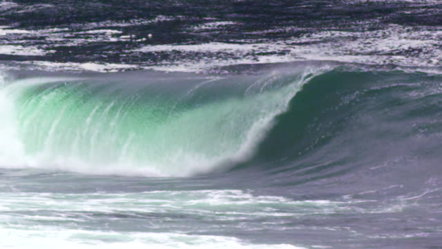 ocean wave breaking left, cba - power in nature stock videos & royalty-free footage