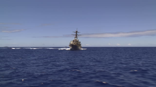 destroyer uss benfold ddg-65 at sea - warship stock videos & royalty-free footage