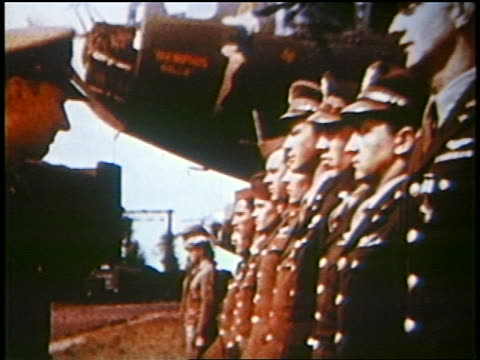 vidéos et rushes de  - officier grade militaire