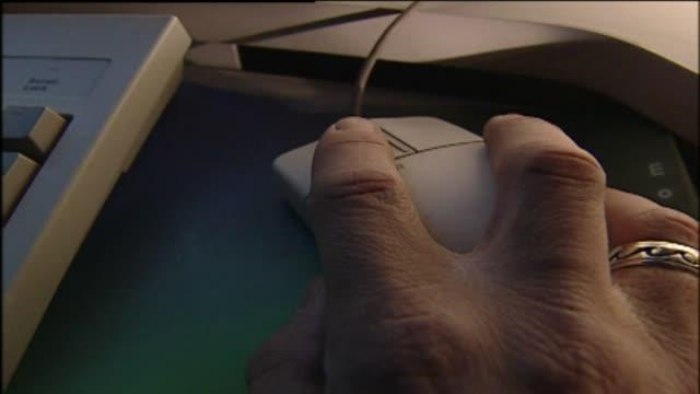vídeos de stock, filmes e b-roll de wgn- - mouse de computador