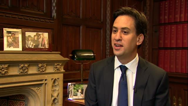 nnbm802p - bbc news stock videos and b-roll footage