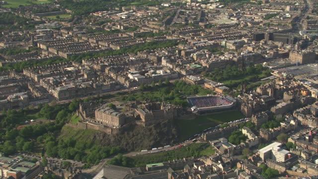 nnbm416b - edinburgh castle stock videos & royalty-free footage