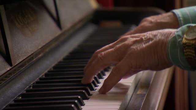 nnbm809y) - pianist stock videos & royalty-free footage