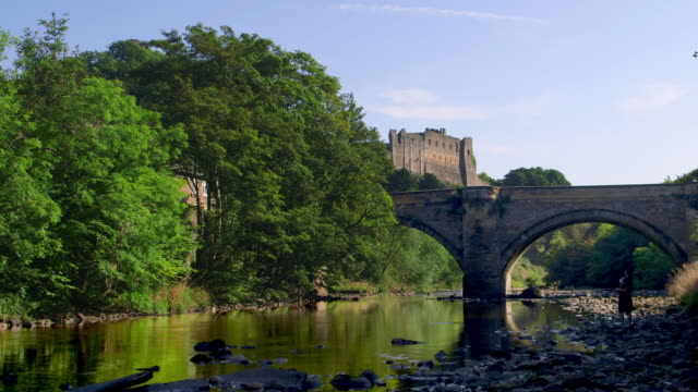 vídeos de stock, filmes e b-roll de richmond north yorkshire - yorkshire