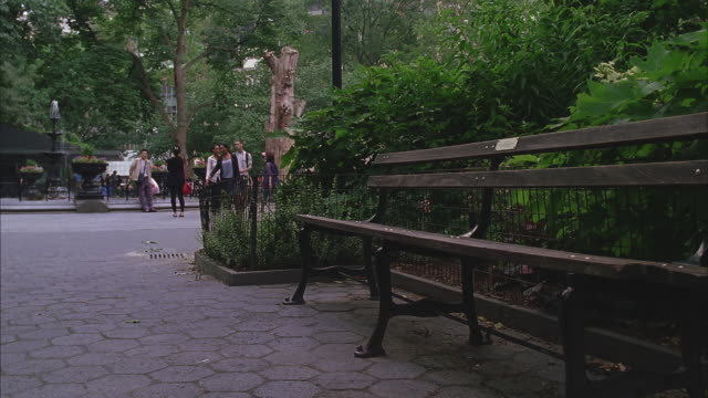empty bench in madison square park - bench stock videos & royalty-free footage
