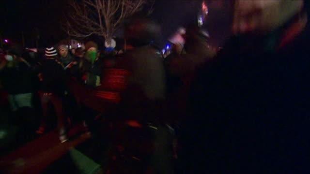 vídeos y material grabado en eventos de stock de nnbk832e - artículo de emergencia