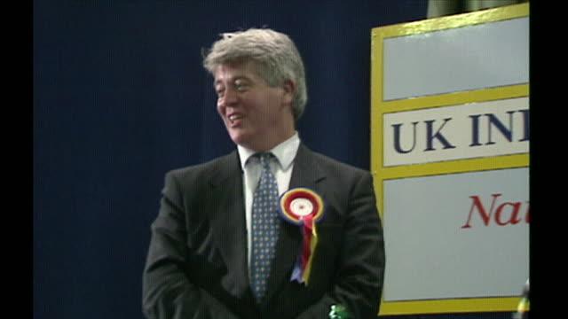anbj286e - 英国独立党点の映像素材/bロール