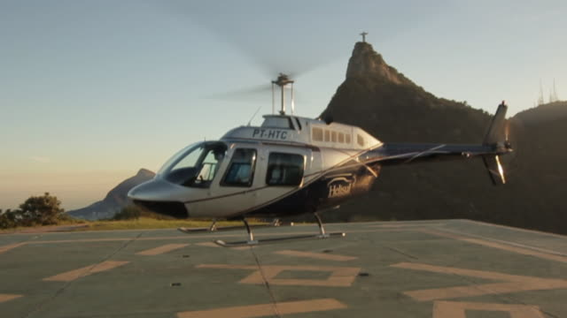 sts_rj_cityscape_001 - helicopter stock videos & royalty-free footage