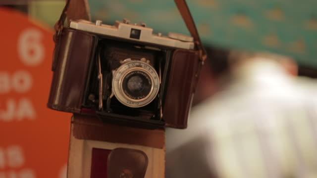 stockvideo's en b-roll-footage met market place - rommelmarkt