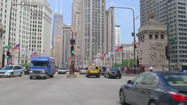 traffic on michigan avenue bridge, chicago, illinois - michigan avenue bridge stock videos and b-roll footage