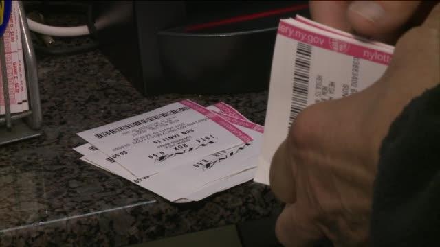 stockvideo's en b-roll-footage met  - loterijlootje