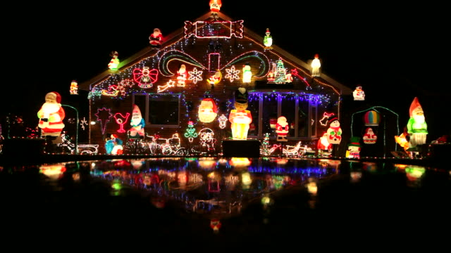 house with christmas lights - christmas decoration stock videos & royalty-free footage