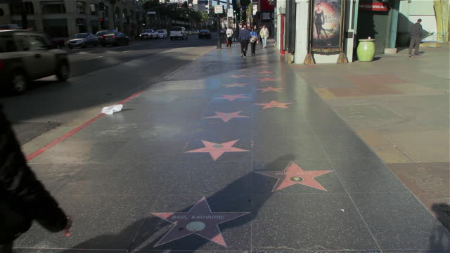 vídeos de stock, filmes e b-roll de hollywood walk of fame - passeio da fama de hollywood