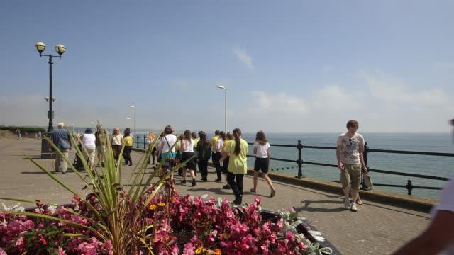 north beach promenade - bridlington stock-videos und b-roll-filmmaterial