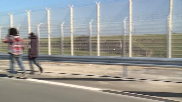 nnbs346a - illegaler einwanderer stock-videos und b-roll-filmmaterial
