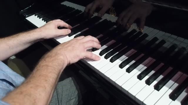 nnbp961h) - piano key stock videos & royalty-free footage