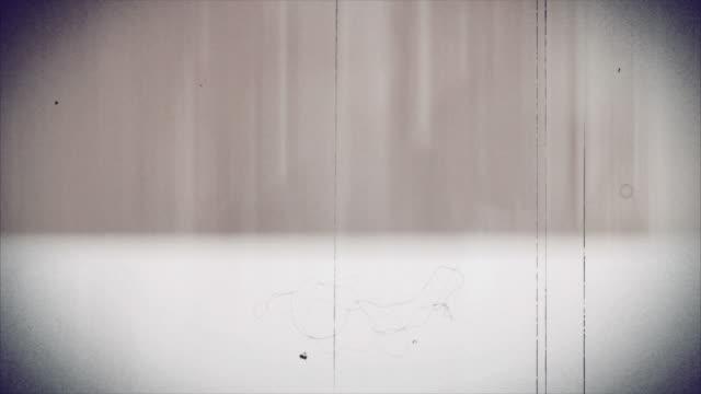 alte film - 4 k - beschädigungseffekt stock-videos und b-roll-filmmaterial