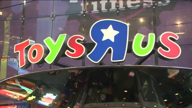 stockvideo's en b-roll-footage met  - toys r us
