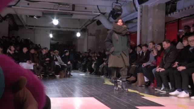 yohji yamamoto fashion show | full report |backstage front row | menswear fall winter 2016 | paris fashion week - paris fashion week stock videos & royalty-free footage