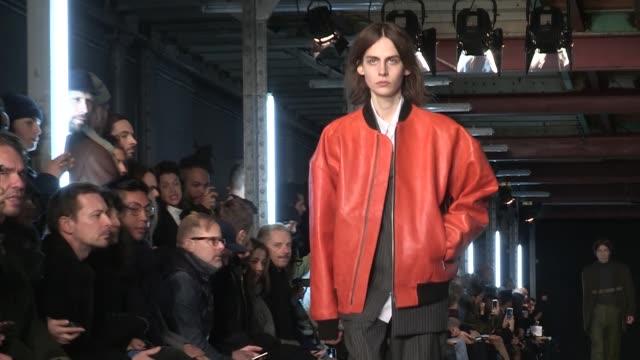 etudes fashion show | full report | menswear fall winter 2016 | paris fashion week - 既製服点の映像素材/bロール