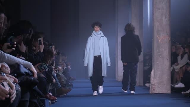 ami fashion show | full show | menswear fall winter 2016 | paris fashion week - paris fashion week stock videos & royalty-free footage
