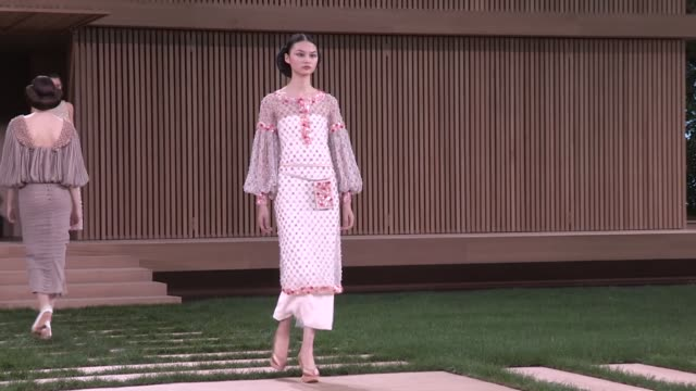 chanel fashion show | catwalk | haute couture 2016 | paris fashion week - 2016 stock-videos und b-roll-filmmaterial