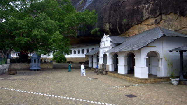 cave 1 entrance and indian tourists - sri lankan culture stock videos & royalty-free footage