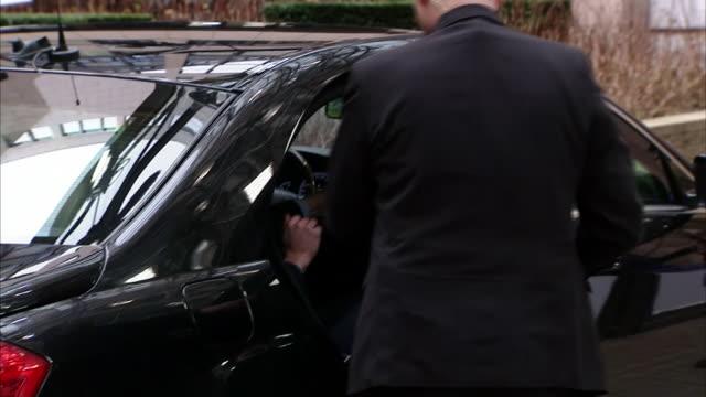 ABLA583A BBC News rushes lib/cameron brussels arrival/1325/18/2