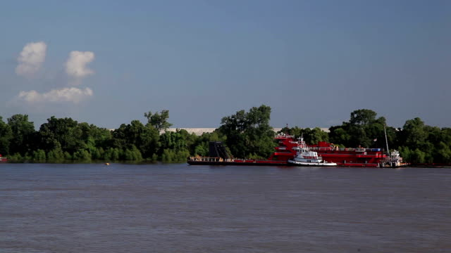 mississippi barge - barge stock videos & royalty-free footage