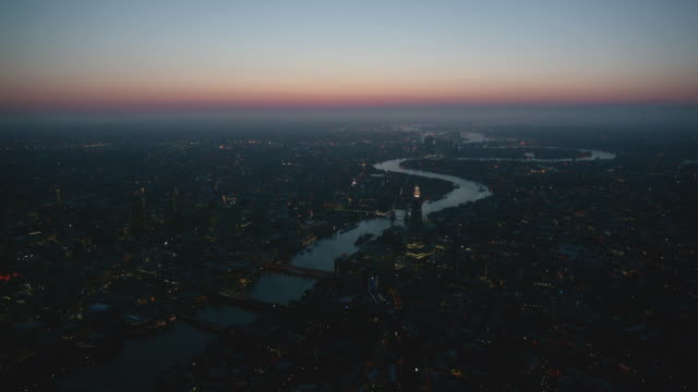 magic hour aerial themes river, london, england - fluss themse stock-videos und b-roll-filmmaterial