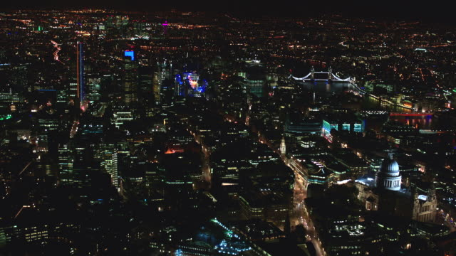 n/x aerial london, fly into church courtyard at end of shot - tower bridge stock videos & royalty-free footage
