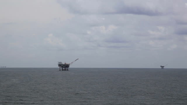 fuel drill - gulf of mexico stock videos and b-roll footage