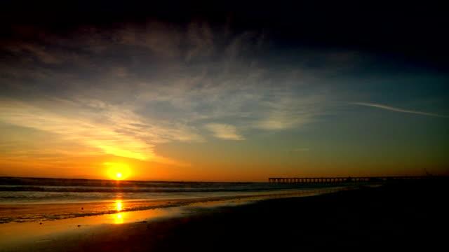 ocean, oxnard, california - pacific ocean点の映像素材/bロール