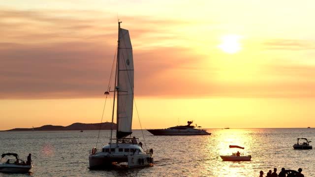 catamarn セーリング イビサ - イビサ島点の映像素材/bロール