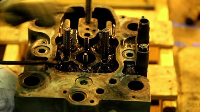 修理 - 整備員点の映像素材/bロール