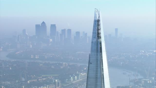 news rushes lib/moody london aerials/1630/5/12 abra943d - shard london bridge stock videos & royalty-free footage