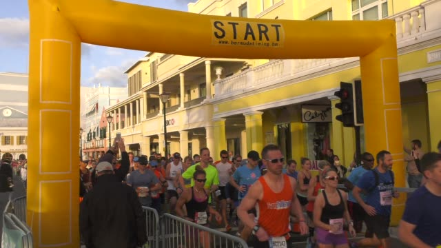 running race start, bermuda - salmini stock videos & royalty-free footage