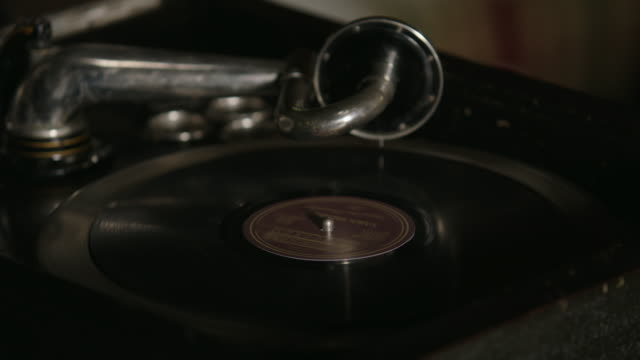 CLOSE ANGLE OF RECORD PLAYER.