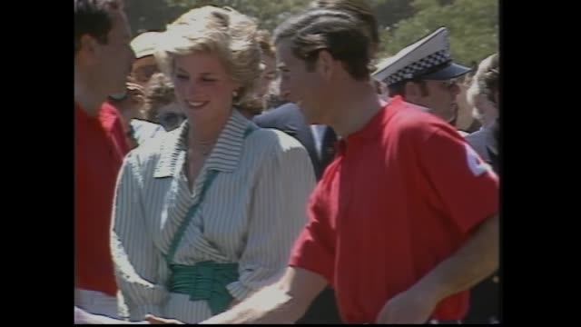 vídeos de stock e filmes b-roll de last night charles and diana arrive museum of victoria gala / diana at museum in red dress / royals leave in car / today diana and charles arrive... - 1985