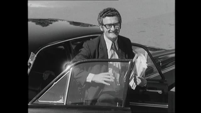 bob hawke walks on tarmac with other unions officials canberra airport/ car arrives at parliament house ex pm john gorton out of car walks up stairs... - bob hawke stock videos and b-roll footage
