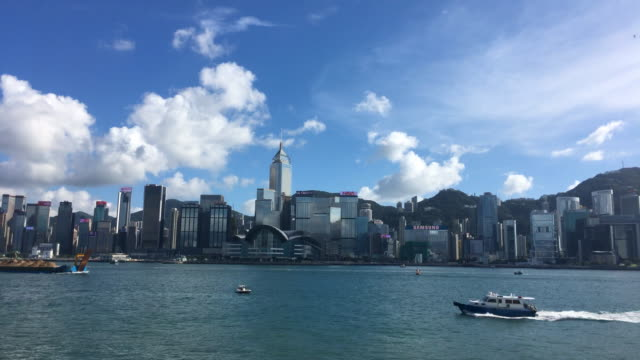 stockvideo's en b-roll-footage met time lapse - victoria harbour - hong kong - star ferry